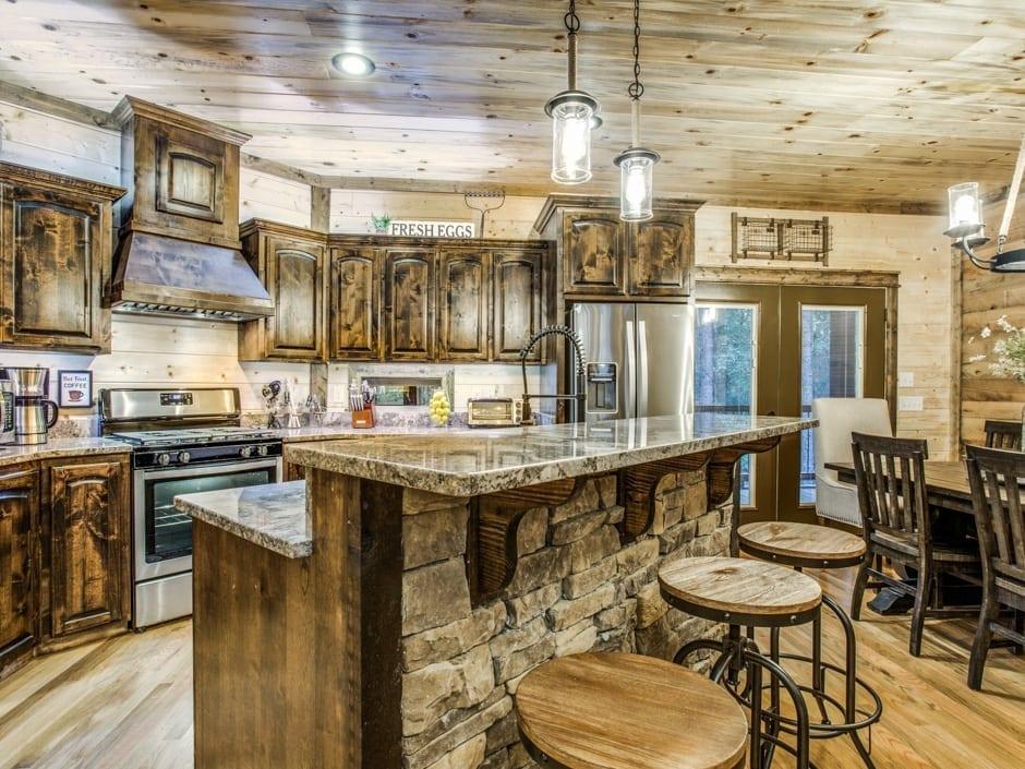 Lowrider 940x705-kitchenbar