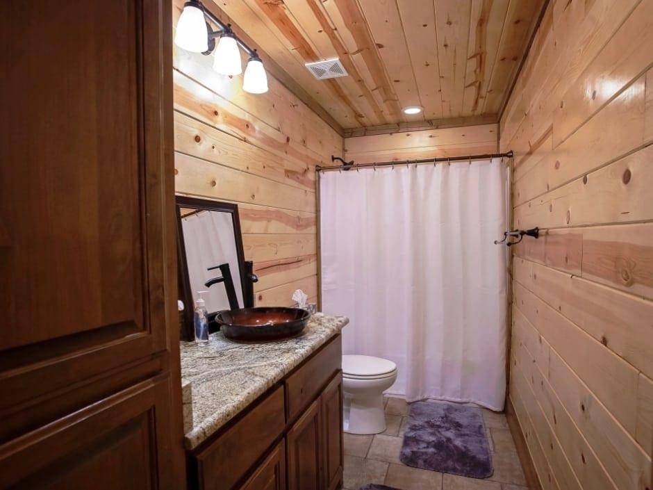 DB_bathroomC1_940