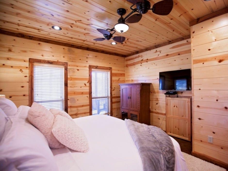 LB_bedroom_A2_940