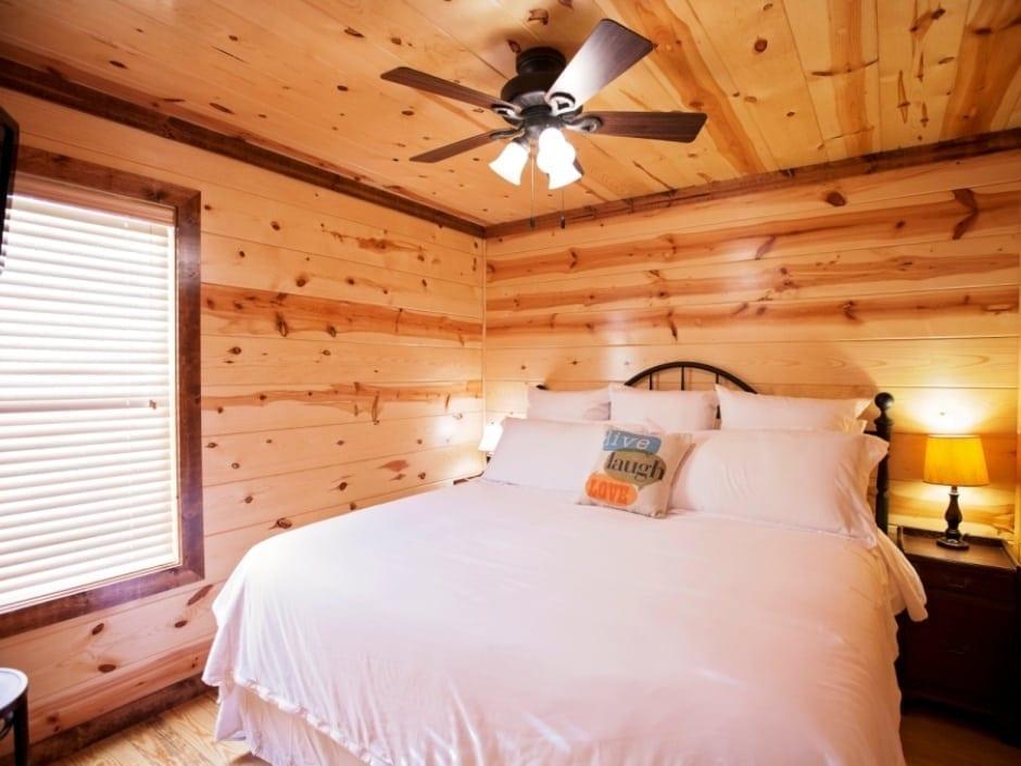 LB_bedroom_B1_940