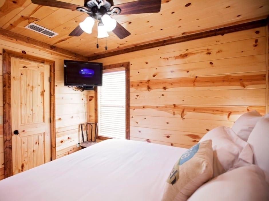 LB_bedroom_B2_940