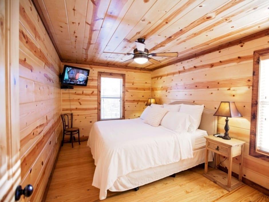 LB_bedroom_C1_940