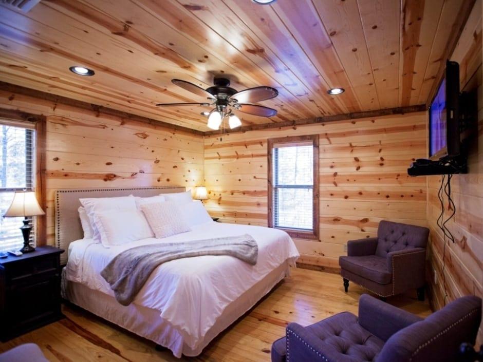 LB_bedroom_D1_940
