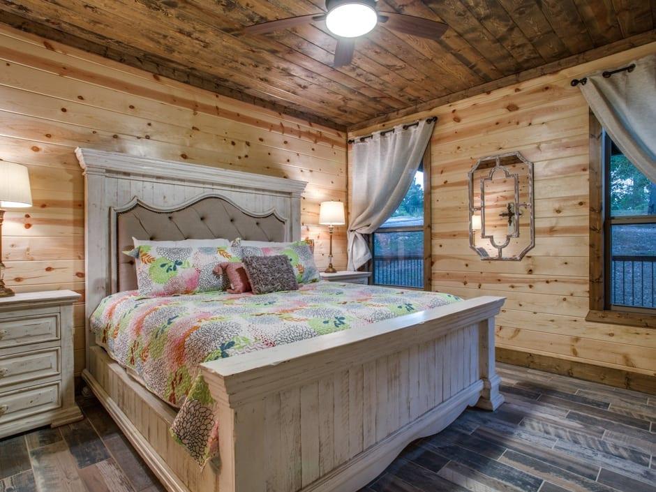 SM_bedroomD1_940.jpg