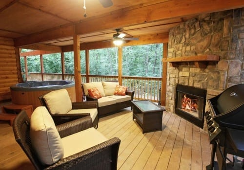 Buffalocreek_livingdeck_comp