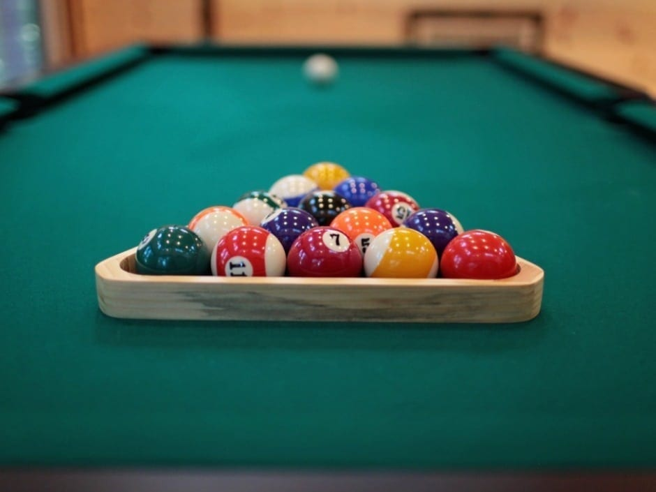 DP_pooltable1_940