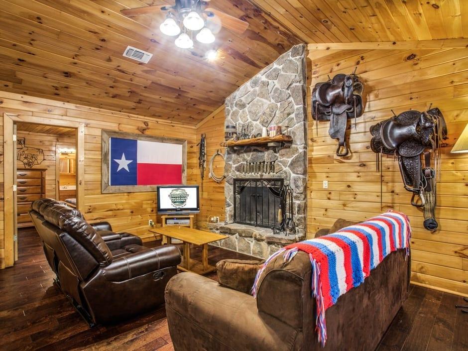 Broken Bow Vacation Cabins Lone Star Cabin 2 Bedroom