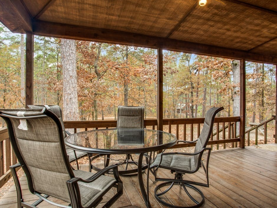 Whispering_Pines_outdoortable-0015