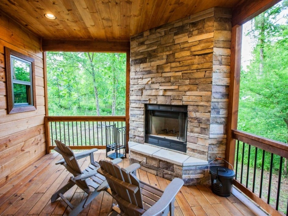 KW_deckfireplace_940