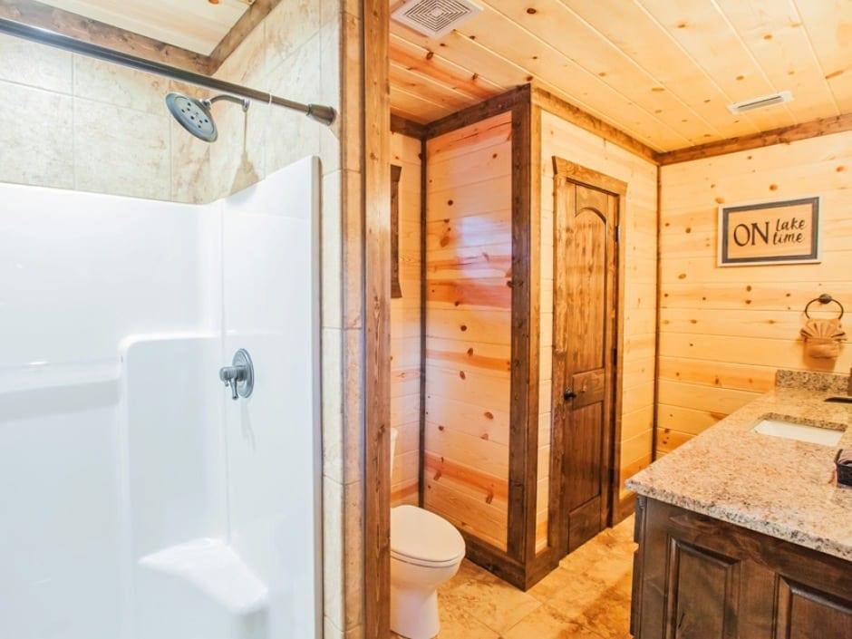 5OC Bathroom Up_940