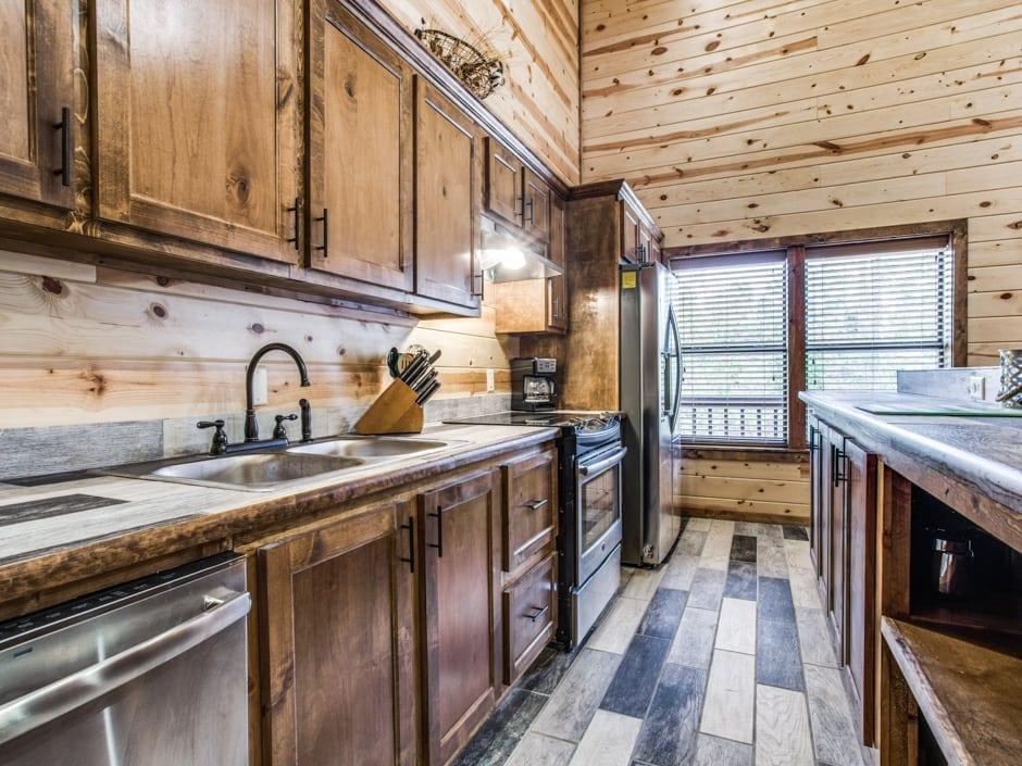 Heart of Texas 940x705-kitchen1
